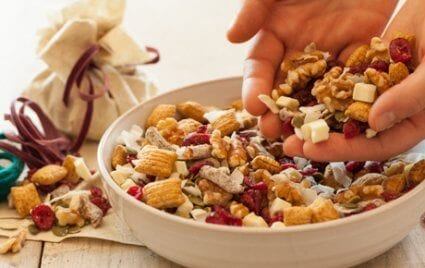 holiday-trail-mix