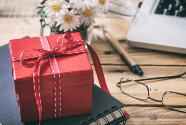 58 Creative & Thoughtful Gifts For Managers In 2020