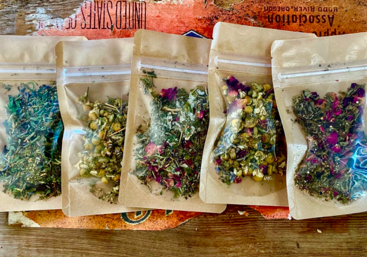Naked Herbs Sample Set