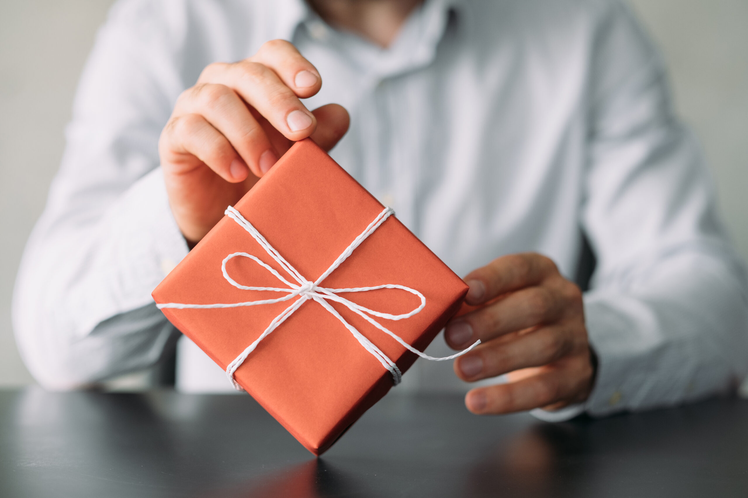 Thoughtful Corporate Gift Ideas To Keep Your Employees Motivated